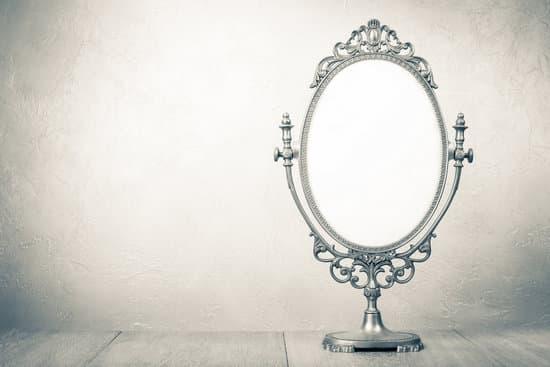 気になる人から連絡がくる・あの人から連絡がくる鏡のおまじない
