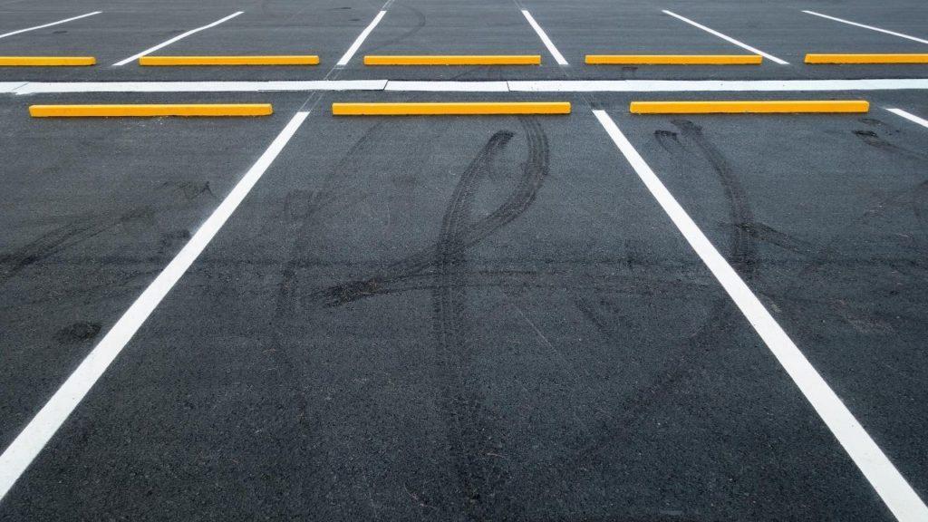 千里眼アメリカ村に駐車場はある?