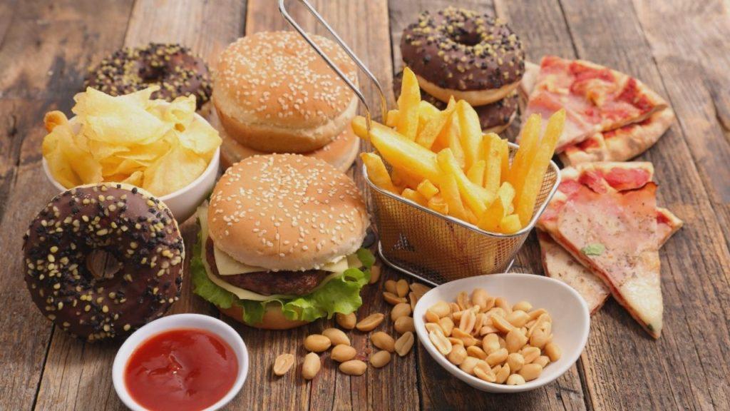 食欲や気分が急激に変化する