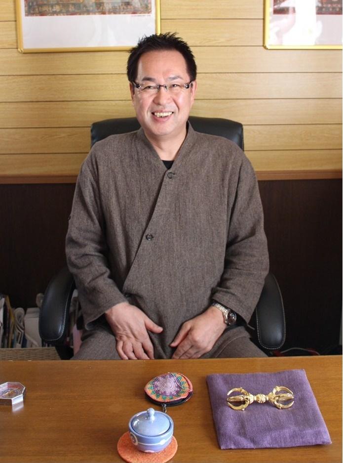 仙台の父・宮崎一央の占いカフェ「FLAQS(フラックス)」