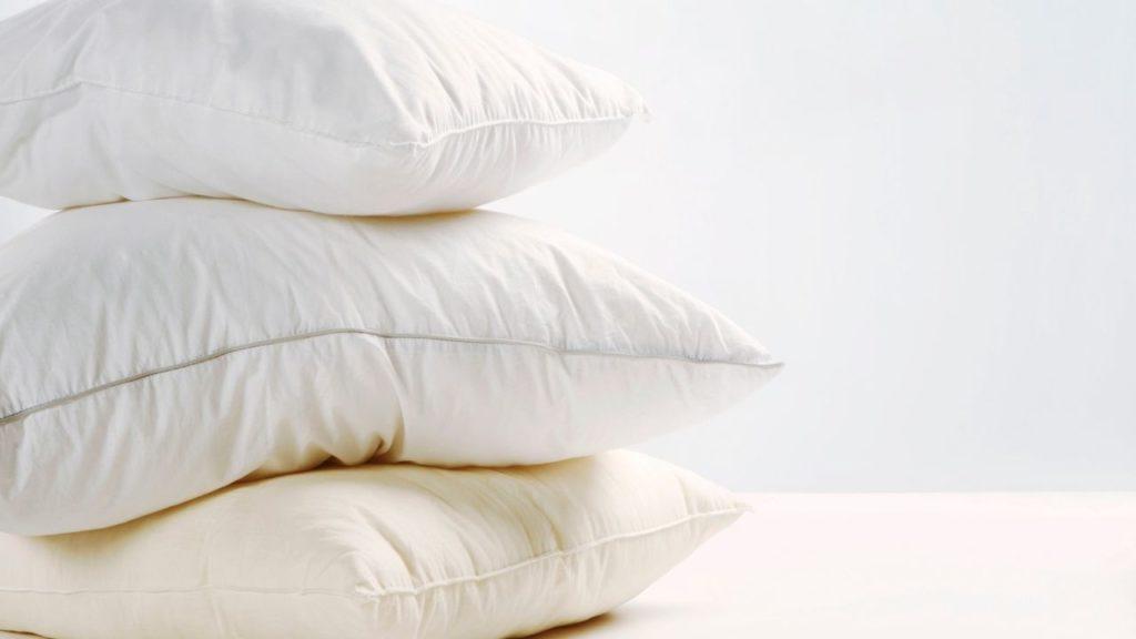 枕を使う寝る前にできる元カレと復縁するおまじない