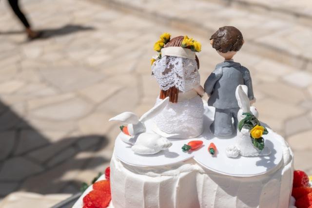 再婚をイメージした結婚式ケーキの画像