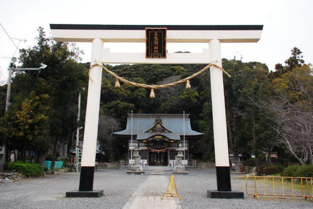 三熊野神社の鳥居と拝殿(静岡県掛川市)