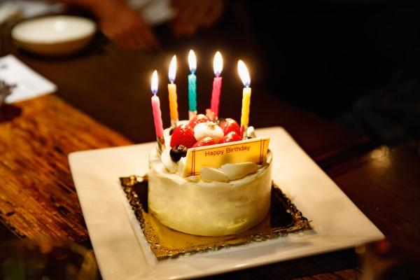 亡くなった人の誕生日は祝ってはいけない?